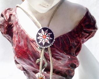 vintage mexican necklace, kitsch necklace, beaded necklace, beaded figures, little mexican men, mexican sombrero