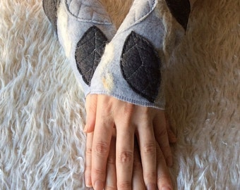 Heather and Grays Faery Woodland Wrist Cuffs - Leafy Applique Fleece Arm Warmers - Merino Wool Felted - Elven Clothing Accessories
