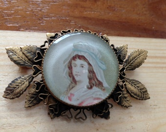 HOBE Colonial Lady Brooch