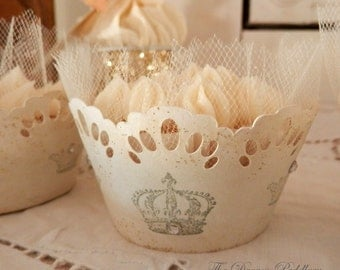 Crowned Glory. Twelve Cupcake Holders with Crowns and Tulle Trim