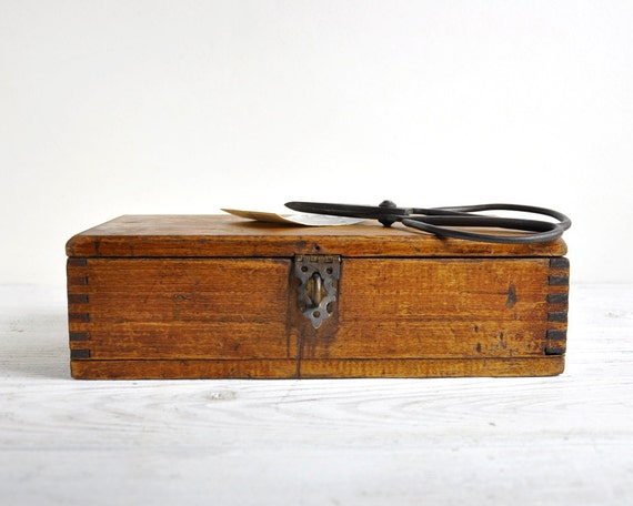 Vintage small wood box rustic storage box trinket by - Small rustic wooden boxes ...