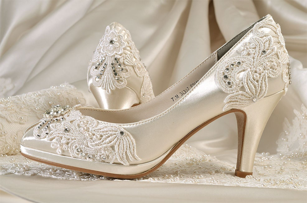 Shoes With Lace Wedding Dress :