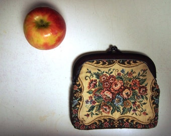 Vintage 1960's ladies large floral tapestry purse