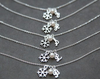Bridesmaid Initial Bracelet, Set of 5 Five, Snowflake Bridal Party Jewelry, Winter Wedding Pearl Snowflake Bracelet