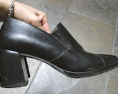 vintage women Enzo Angiolini black leather preppy Oxford loafers chunky heels shoes (size 6 - 6 1/2)