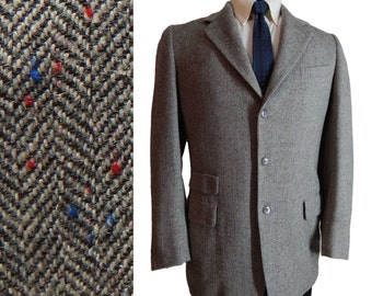 1950s Vintage Atomic Fleck Tweed Sport Coat with Ticket Pocket from Embassy Row. 39 40