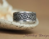 Wide Daisy Chain Patterned Band in Sterling Silver - Engravable Sterling Silver Poesy Ring - Daisy Chain Floral Wedding Band