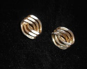 Vintage Star Novelty Company Chunky Hammered Link Clip On Earrings 1940s Signed