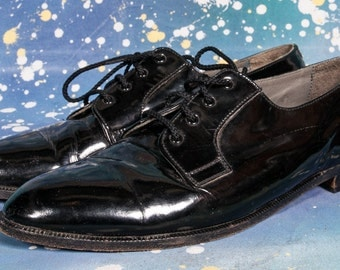 Patent Leather Men's Dress Shoe Made by CAPEZIO  Size 10