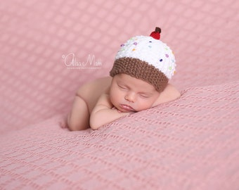 Newborn cupcake hat, photography props, newborn photo prop, newborn girl, newborn, newborn knit hat