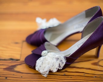 Wedding shoes peep toe low heel short heel high heel bridal shoes embellished with feathery vintage lace and crystal pearl brooch