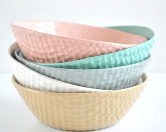Woven ceramic bowl