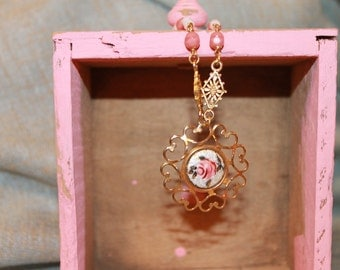 Pretty in Pink Floral Necklace