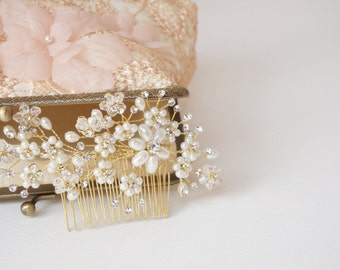 Bridal hair comb, Pearl hair accessory, Bridal headpiece, Bridal hair accessories, Wedding headpiece,Bridal hair adornment / Ready to Ship