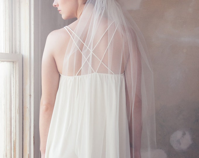 Fingertip Veil, Wedding Veil, Simple Veil, Drop Veil, Tulle Bridal Veil, Fingertip length tulle wedding veil, classic wedding veil