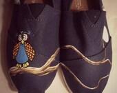 """SIZE 9 - """"Owl"""" Canvas Toms Shoes"""