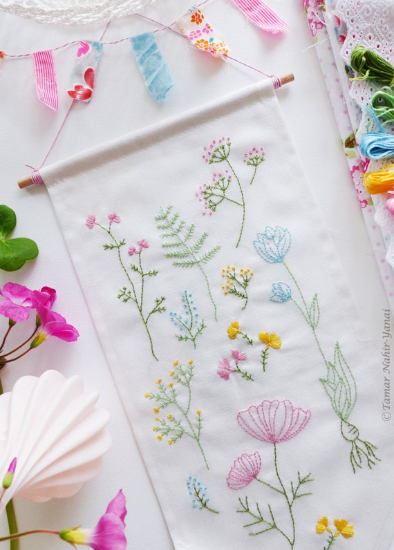 Embroidery Kit – Botanical flowers