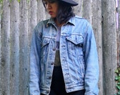 LEVI'S Vintage Denim Jean Jacket / Small - Medium / Free Shipping USA