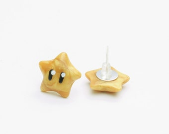 Super Mario Golden Invincibility Star stud earrings - mario stars, nintendo, gaming, geeky jewelry, nerdy jewellery, video game