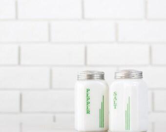 Farmhouse Kitchen Salt and Pepper Shaker Set - Hazel Atlas Glass Shakers Range Set - Green and White Color Scheme