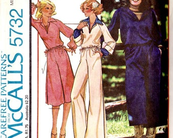 PATTERN McCalls 5732 Wide leg pants with drawstring waist side pockets and open neck stretch top Size Small 10-12 uncut