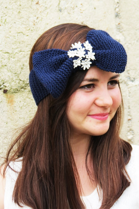 Items similar to Knitted Bow Headband, Wide Bow Ear Warmer ...