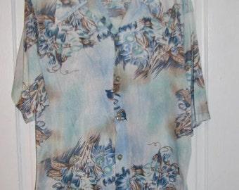 CALIFORNIA ROYAL // 70's HAWAIIAN Floral Print Button Down Shirt Powder Baby Blue Short Sleeve Pointed Collar Size L 16/16.5 Aloha