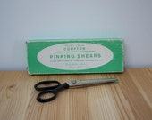 Vintage pinking shears in original box
