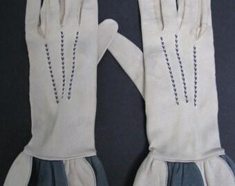 Vintage 1940's Ivory Kidskin Ladies Gloves