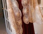 Soft and Romantic Yarn Wrap Shawl. Vintage. Shoulder Wrap.