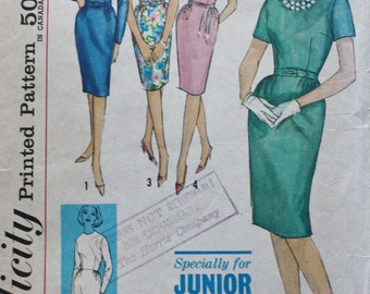 Fitted Dress Slim Skirt Simplicity 4490 Vintage Sewing Pattern Bust 32 1960s