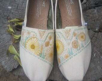 "VICIT ""Daisy"" Custom TOMS Shoes"