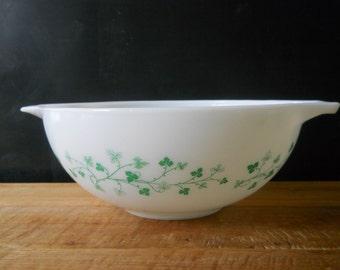 Promotional Pyrex Green Ivy Cinderella Bowl