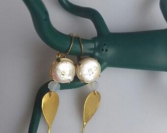 Beautiful Gold and Pearl Earrings - Bridal Earrings - Pearl and Crystal Earrings - Gold Leaf Earrings - Elegant Earrings - Pearl Earrings