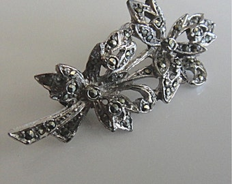 Vintage Silver Tone and Marcasite Floral Bouquet Brooch Pin (611)