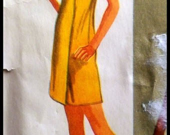Simplicity 9415  Misses' Super Jiffy Cover-Up in two lengths  Size (12-14)  UNCUT