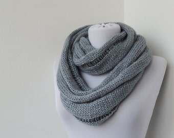 30% OFF SALE - Gray Knit Scarf - Infinity Scarf - Loop Scarf - Circle Scarf    861