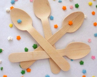 25 Medium Wooden Ice Cream Spoons - Perfect for Crafting and Stamping