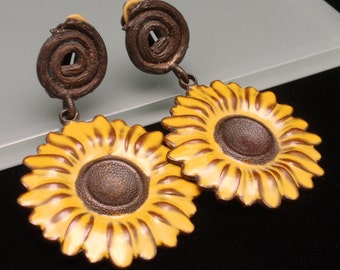 Flower Earrings Vintage Enamel Daisy Sunflower Clip Backs
