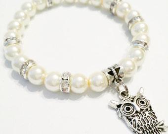 Pearl Owl Bracelet / Hibou Chouette / Owl Jewelry / White Pearl Owl Jewelry / Silvertone Owl Charm / Pulsera Búho /  Pearl Owl Bracelet