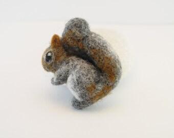 Needle Felted Squirrel brooch - Black Friday Sale, Christmas Toy, Animal brooch, Custom felt animal, OOAK, Felt jewelry