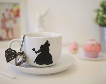 Mug Alice in Wonderland red queen heart queen off with her head jumbo mug