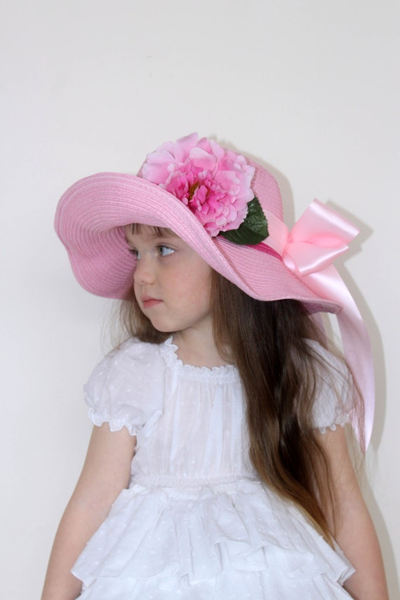 GratefulGoose searches thousands of stores such as amazon and ebay to find you the best prices for easter hats girls in an instant. If we can't find easter hats girls then chances are no one can.
