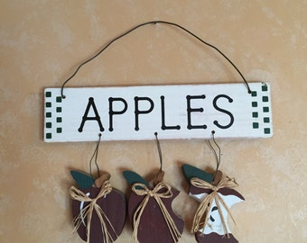 Wooden Hanging Apples Wall Sign