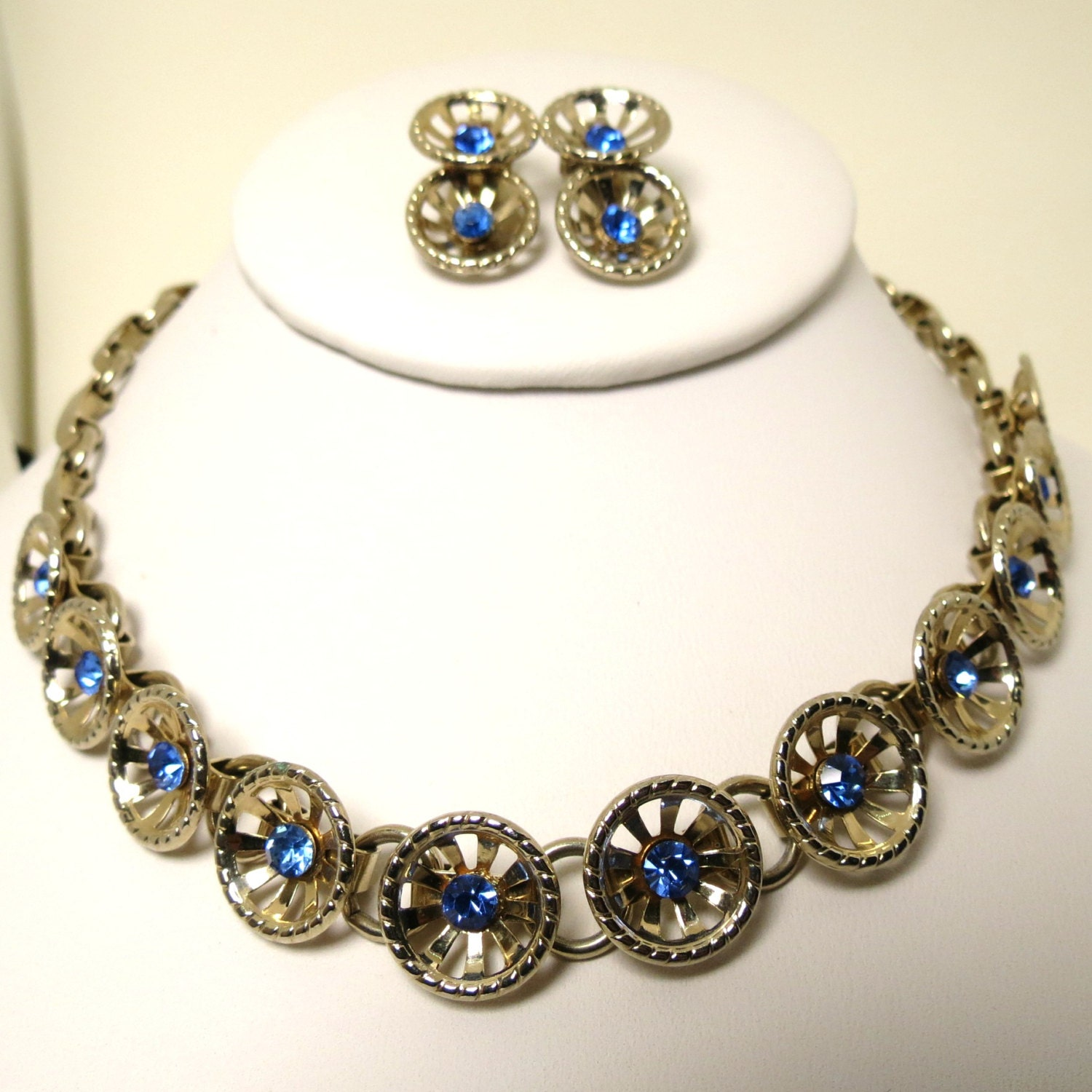 blue jewelry set vintage gold tone blue rhinestones