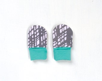 last pair ! upcycled baby mitts | raincloud + mint