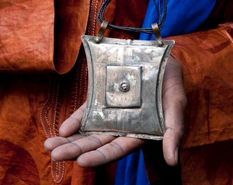 Antique Tuareg silver tcherot from Mali. African antique