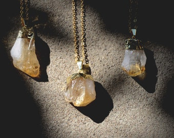 Raw Citrine Necklace Gold // Gold Dipped Crystal Necklace // Raw Quartz Necklace Crystal // Raw Crystal Necklace Quartz / Gold Dipped Quartz