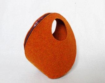 POPUP BAG a 3D bag made from a single felt shape
