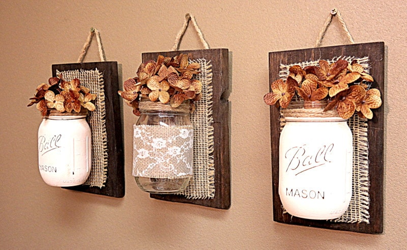 Mason jar wall decor burlap and lace pallet wood by teddysroom for Wood bathroom wall decor